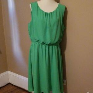 Green polyester dress